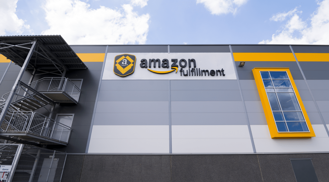 Amazon Leases 3-Story Warehouse to Decrease Delivery Times